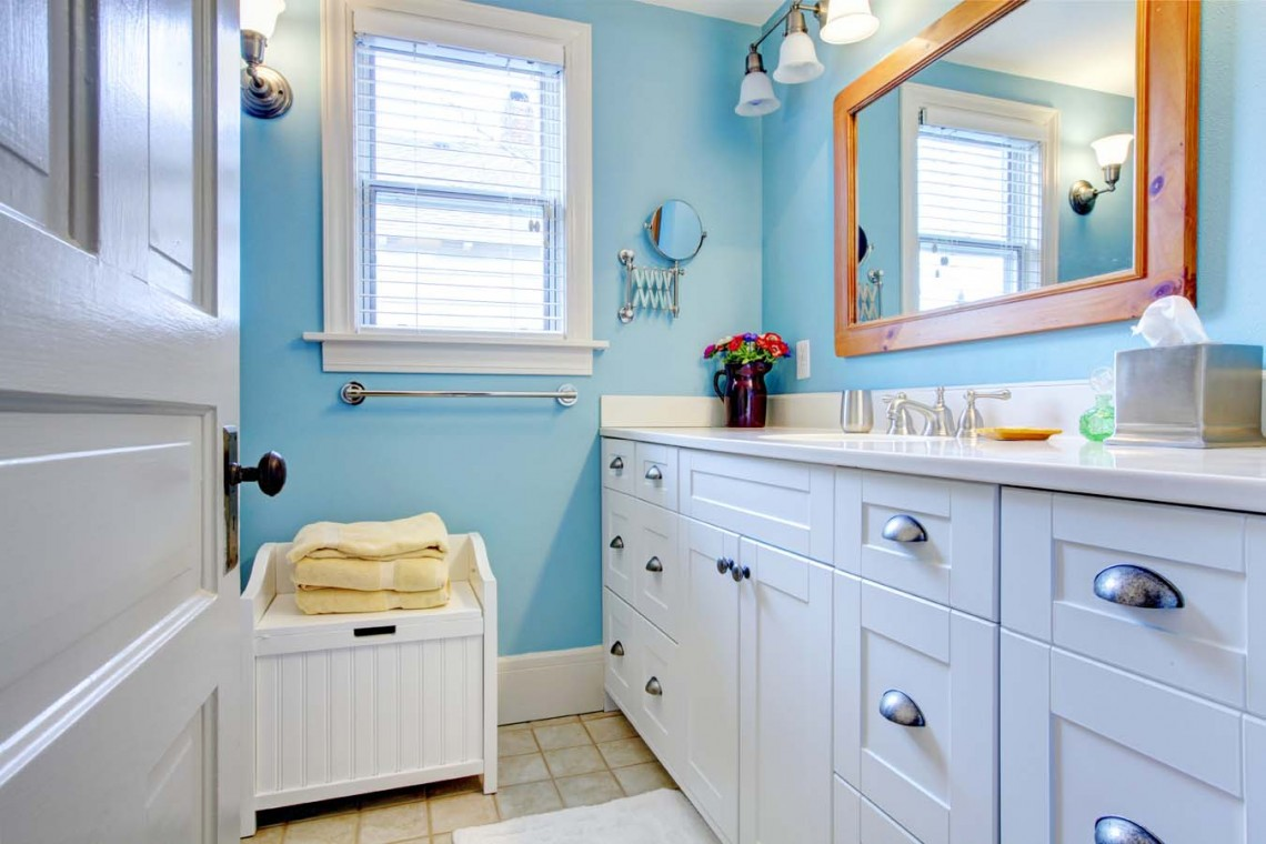 blue-bathroom-mirror-tv
